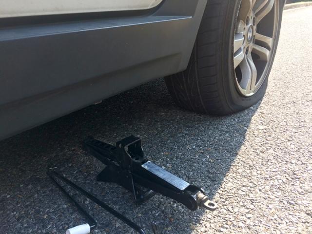 JWo_Flat-tire